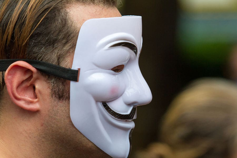 online transparency versus anonymity
